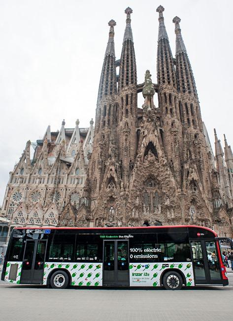 Два градски автобуса Irizar i2e тръгват в Барселона