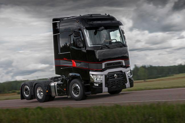 Renault Trucks - премиера на T Maxispace High Edition и много емоции и приключения