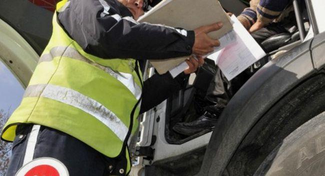 Турски шофьор на съд за подкуп на полицаи