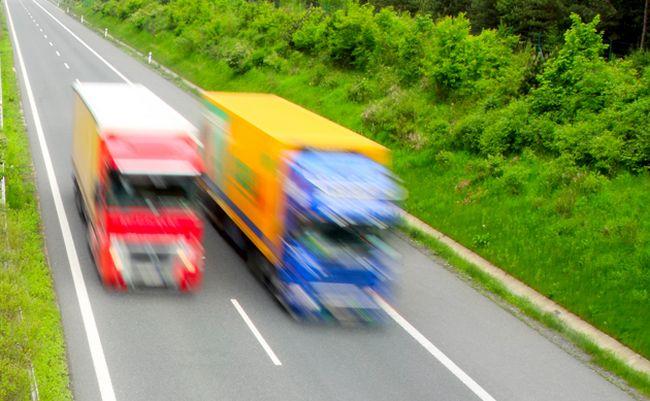 Пазарът на камиони в България - април 2017