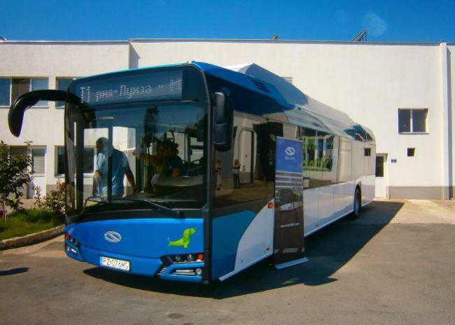 Solaris Urbino 12 Electric се движи тестово в Бургас