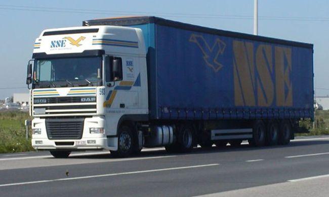 Спряха от движение 112 камиона в Белгия