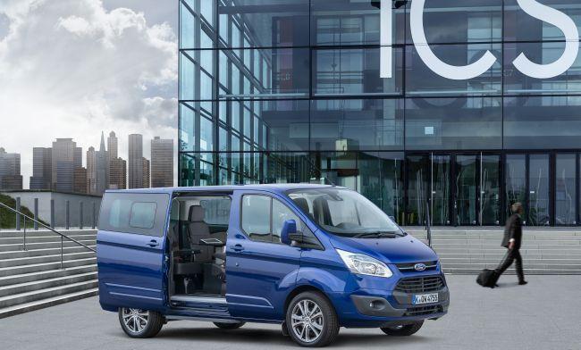 40 вана Ford Custom за евроделегатите
