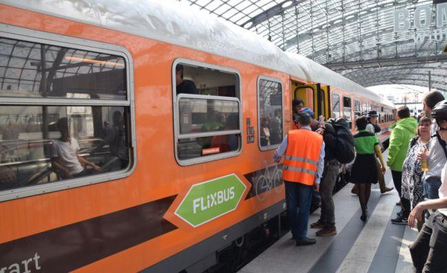 FlixBus ще предлага и железопътни превози