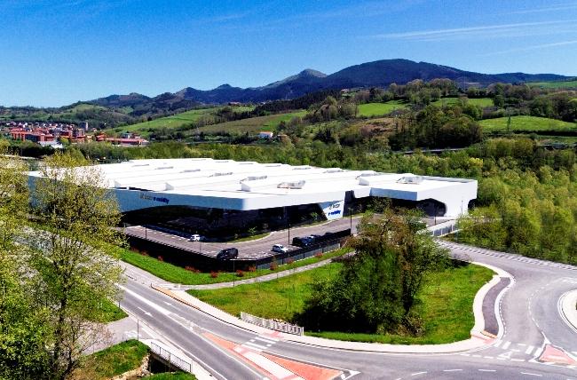Irizar откри официално завода e-mobility