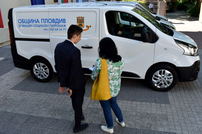 3 нови Renault Trafic за община Пловдив