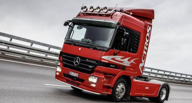 Daimler спира продажбата на камиони с двигатели OM 501