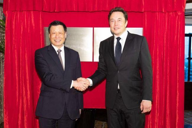 Tesla ще строи завод в Шанхай