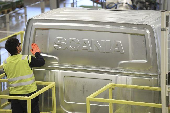 Scania и Daimler се изтеглят от Иран