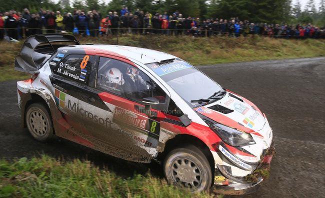 Стартира Dayinsure Wales Rally GB 2018