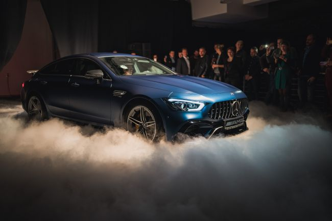 Премиера: Mercedes-AMG GT 4-Door Coupe