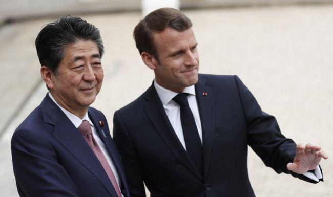 Макрон и Абе подкрепиха обединението Renault-Nissan