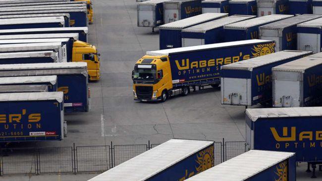 Waberer's освободи 300 шофьори