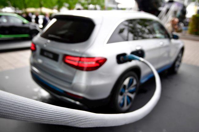 Автомобили на водород! А къде да ги заредим?