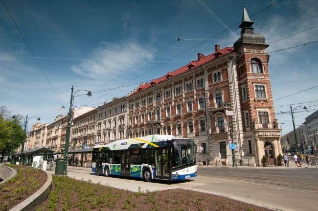 Solaris сключи стотния си договор за електрически автобуси