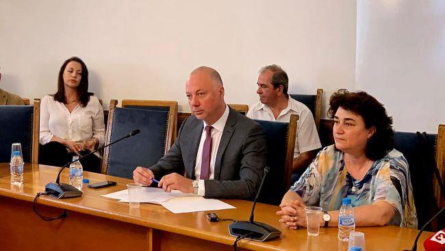 Желязков обеща по-безопасен Закон за движението по пътищата