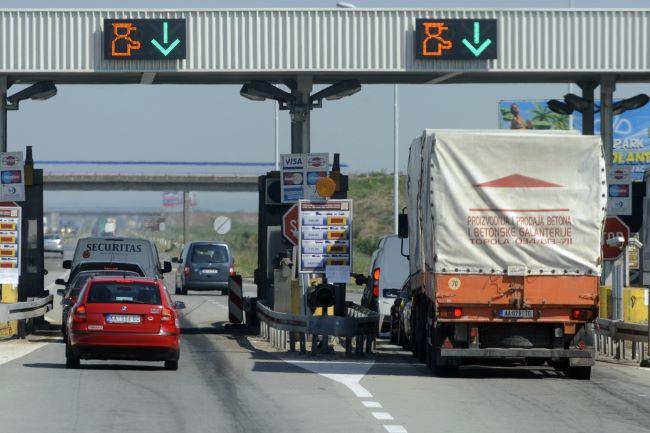 И камионите с хибридна система без такси в Германия