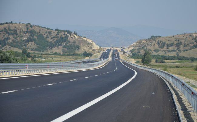 Отварят ценовите оферти за изграждането на 13 км от АМ Струма