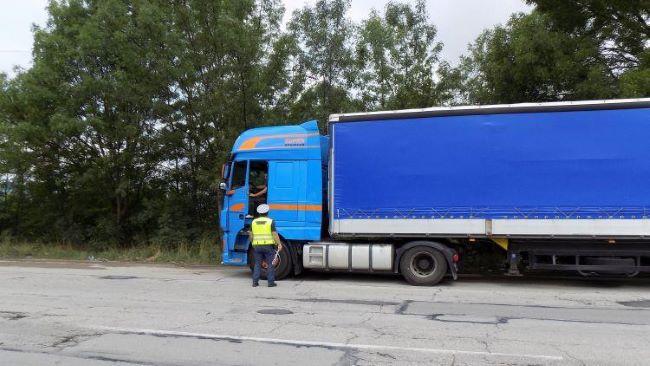 Камиони и ванове само за фирмите