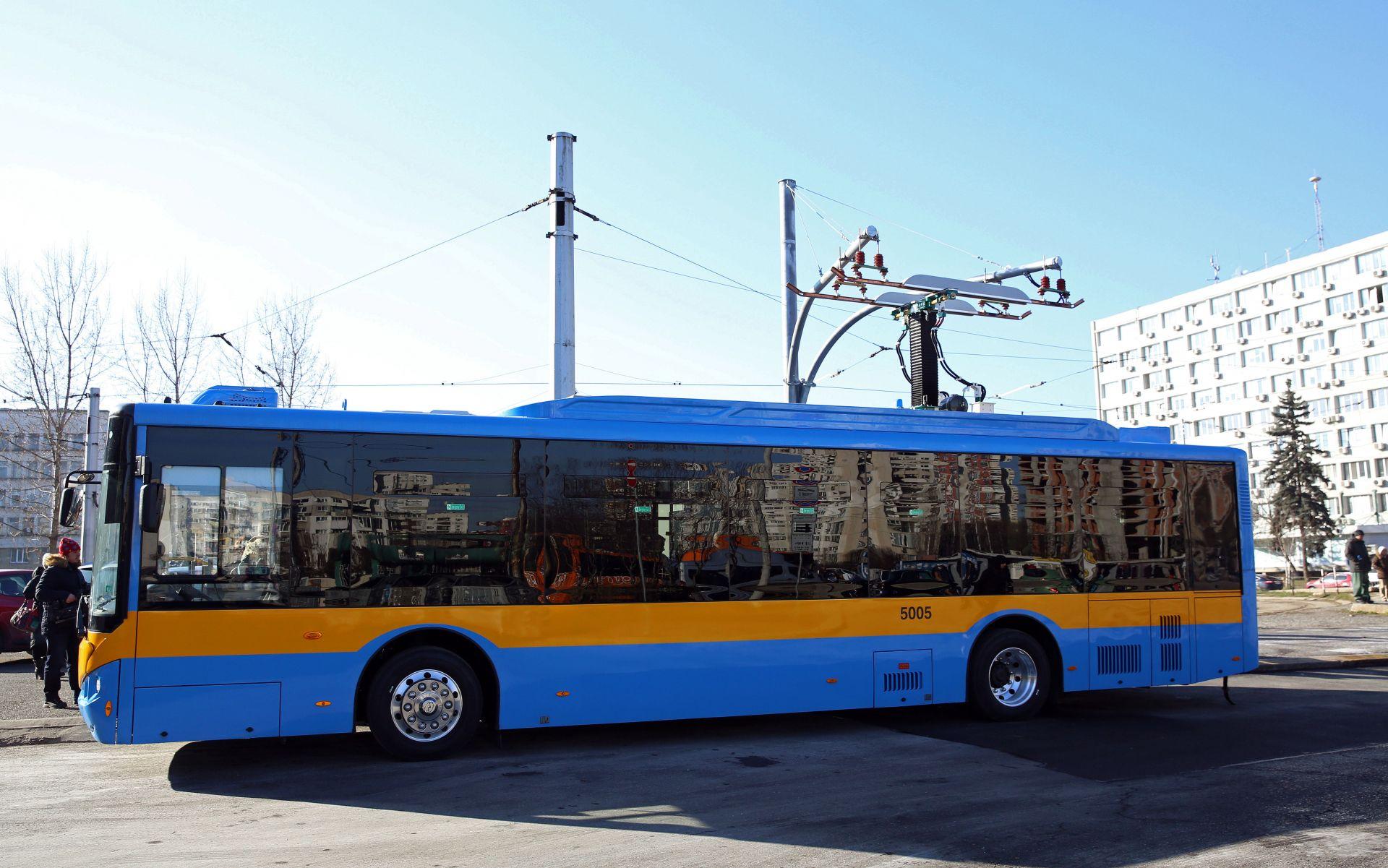 Електробусите доставени от консорциум Higer-Aowei потеглят по столичната линия 123