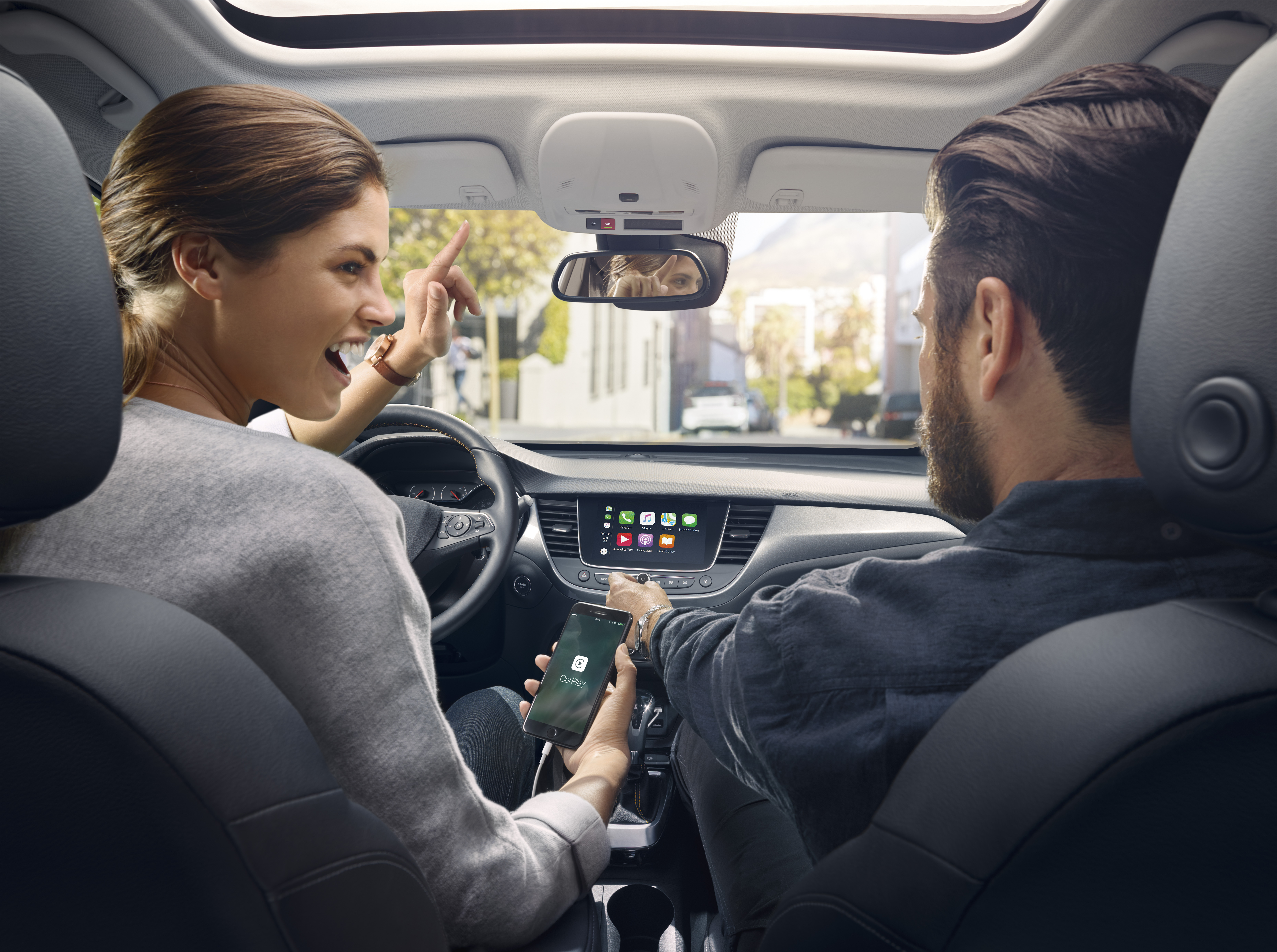 OpelConnect с нови предложения и функции