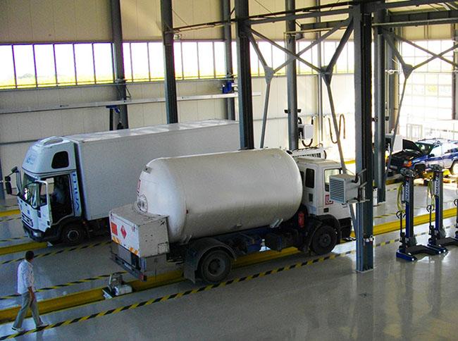 Сервизите за товарни автомобили в България работят на пълно работно време