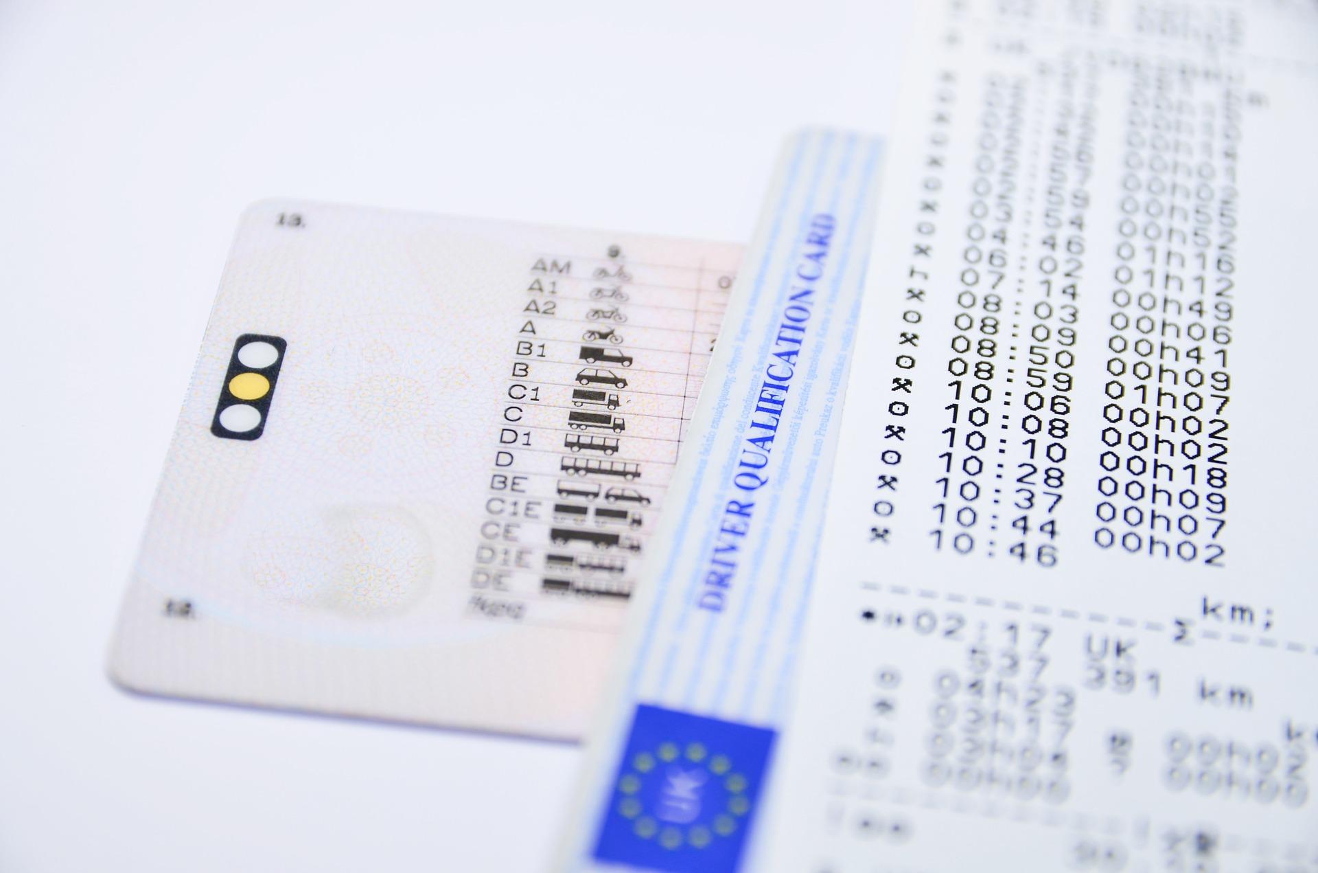 Европарламентът удължава с 7 месеца изтекли шофьорски документи и инспекции