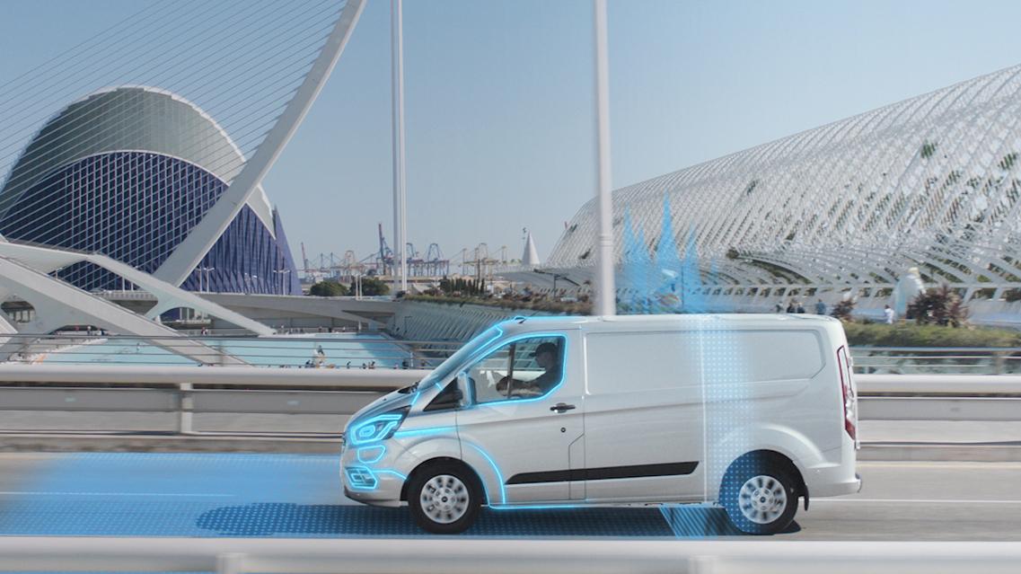 Ford с автоматичен електрически режим за Custom