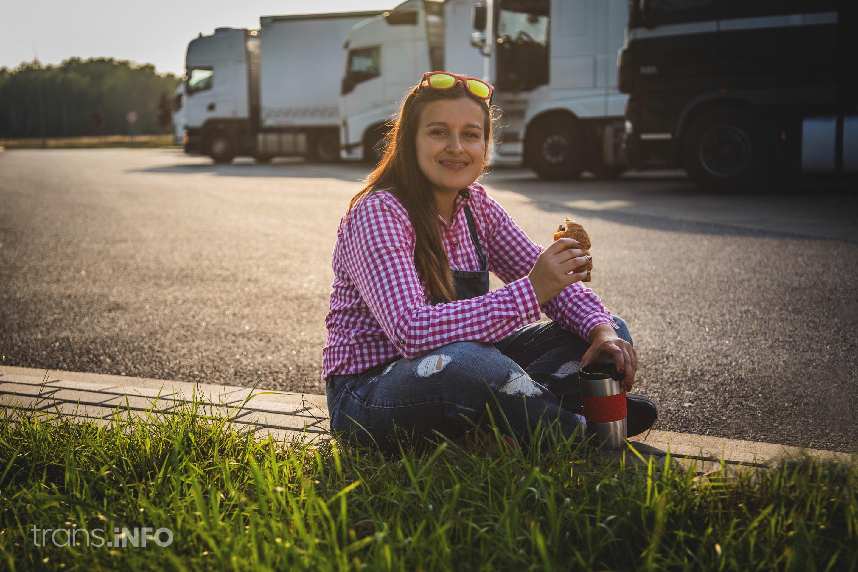 Испания разрешава свидетелствата за управление на камиони на 18-годишни