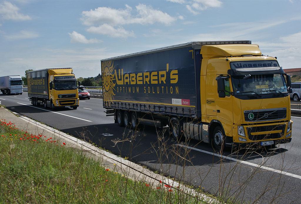 Източноевропейските превозвачи скочиха против връщането на камионите